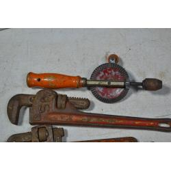"310: (1) 1870s cast iron fence piece. 8'2""x26"" 1 broken top piece. Good condition"